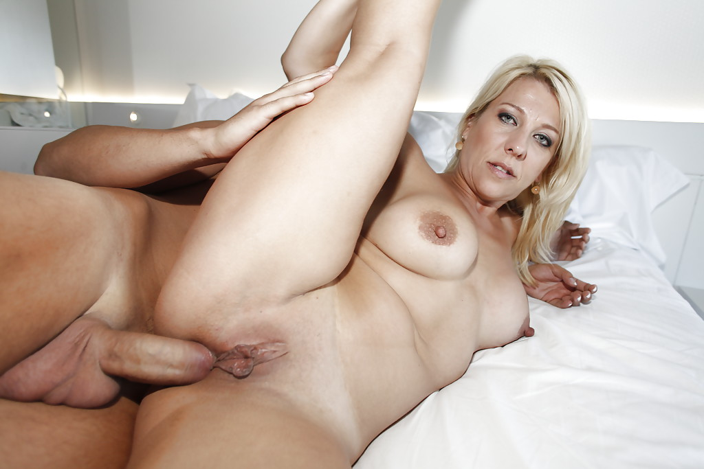Blonde slut big tits