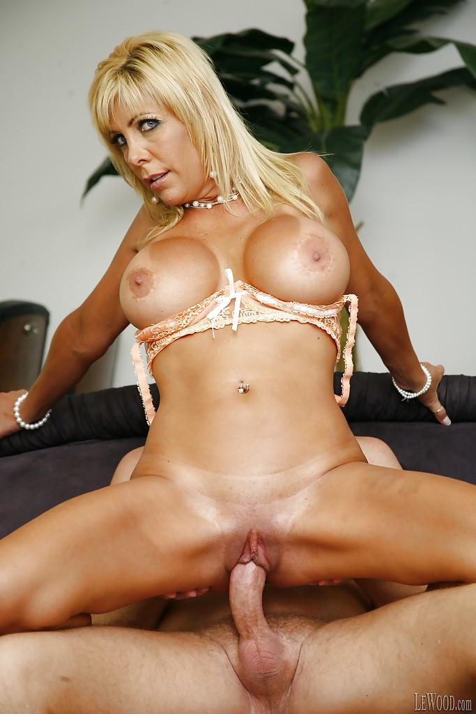 Think, that mature blonde milf porn star