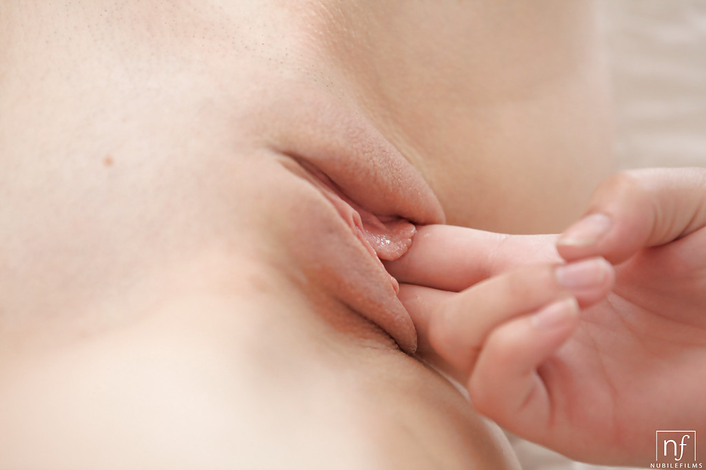 Close Up Pussy Fingering Solo