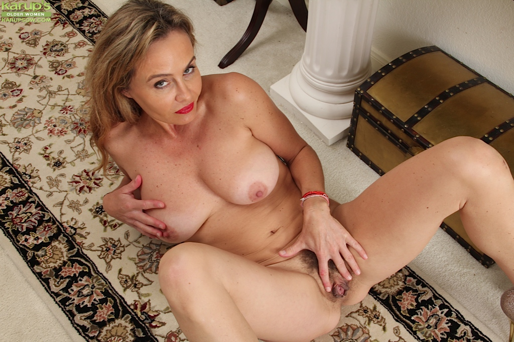 Sexo movil lesbian wife caught cheating with maid min XXX