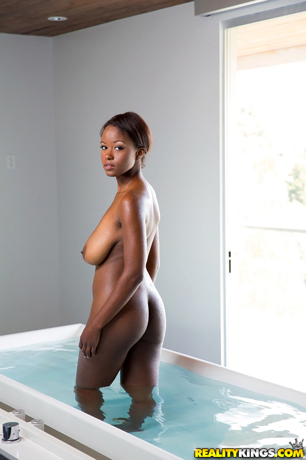 Ebony babe with perfect ass Jezabel Vessir poses in her ...