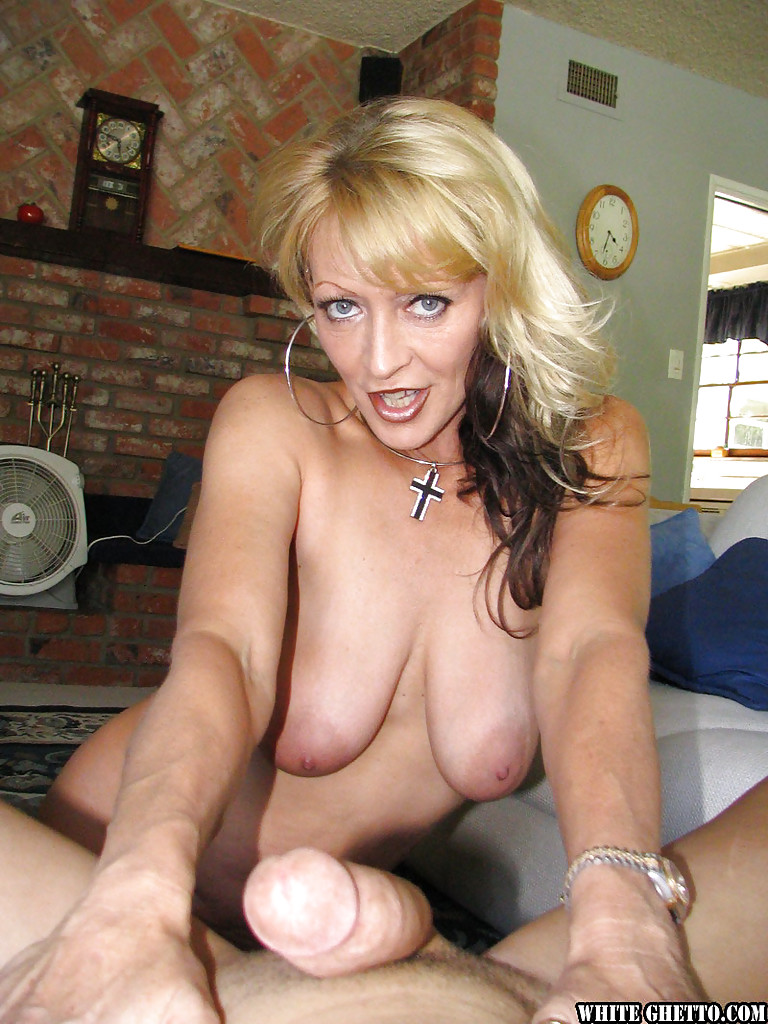 Slutty Mature Big Tits 40