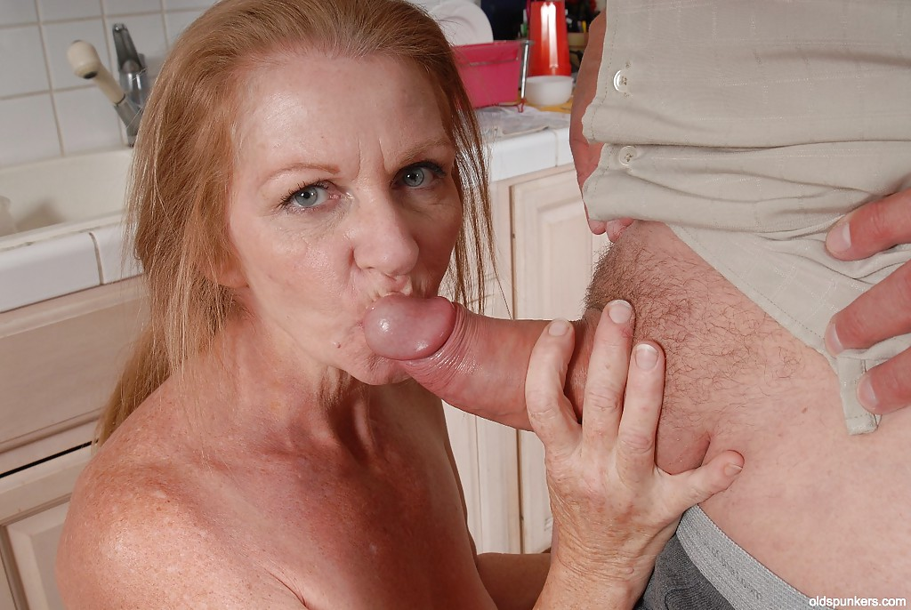 first granny cumshot facial