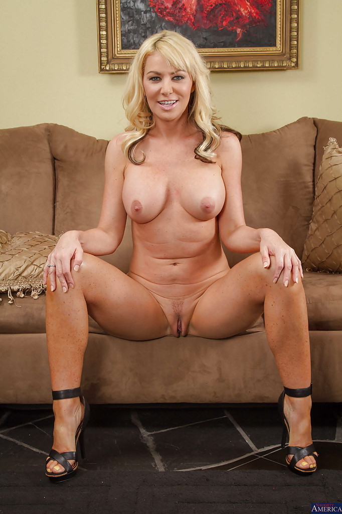 hot naked tan moms