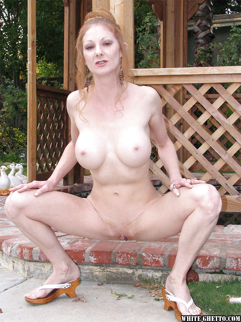 Mature old skinny anal molly earns her keep 9