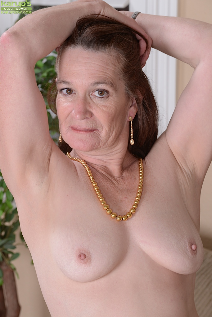 Pics of naked older women