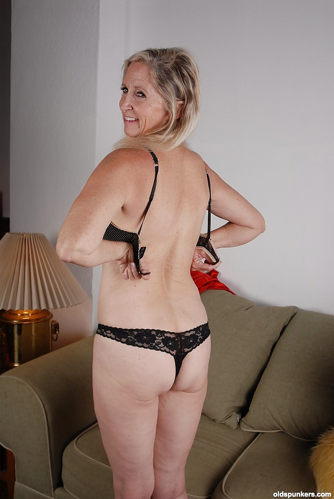 I love mature women-8462
