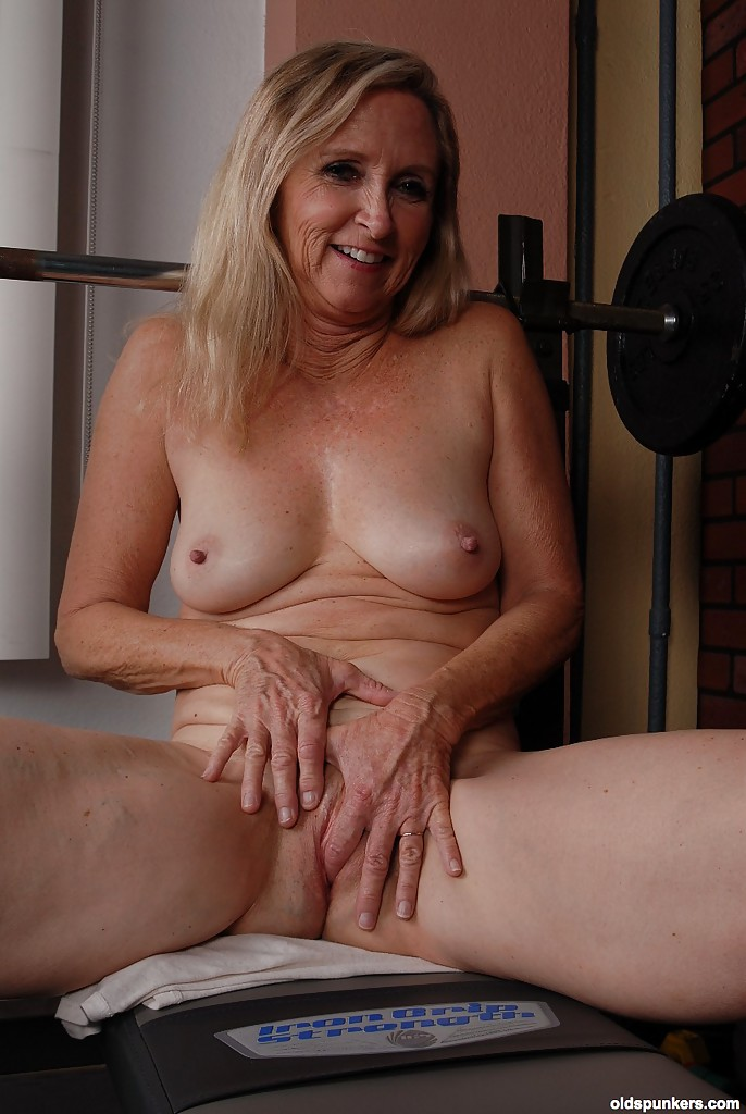 sexy nude old grannies