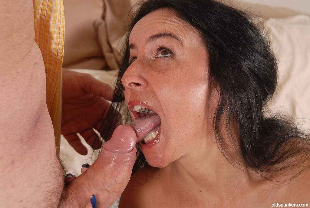 Mature Face Rubbing Cock