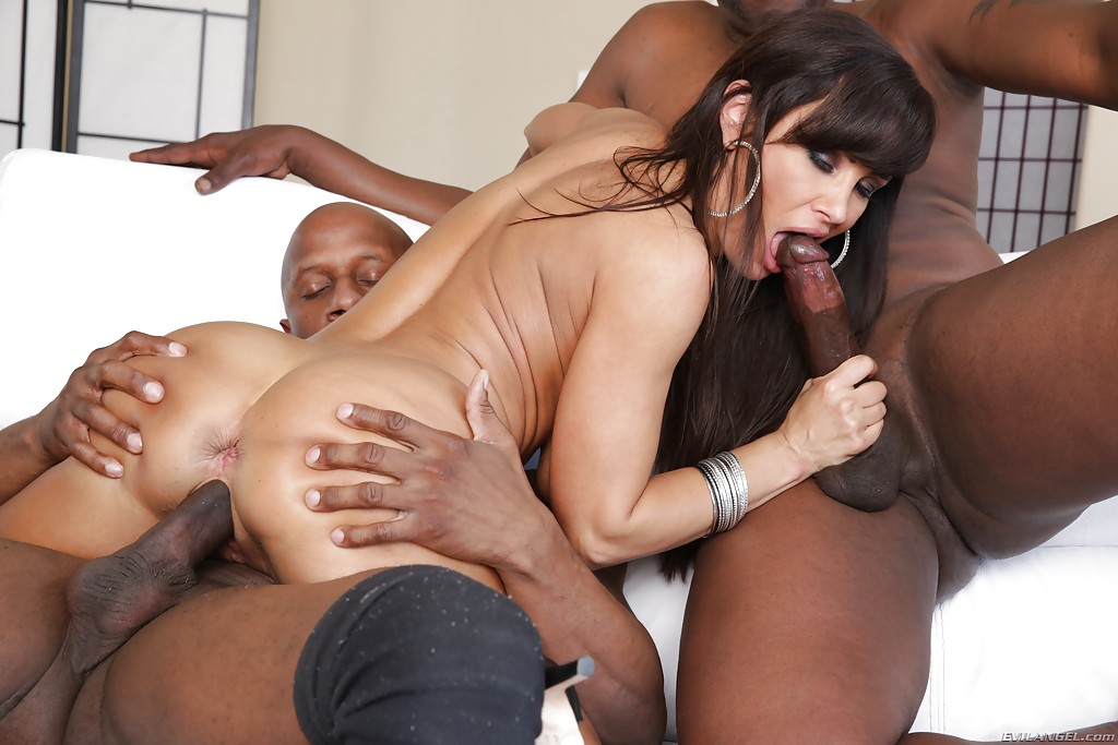 Interacial threesome fucking
