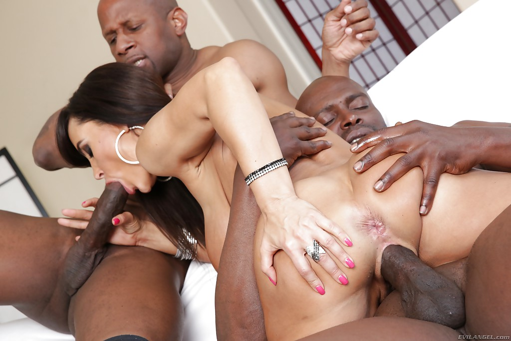 interracial threesomes