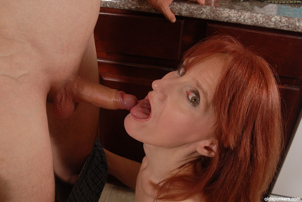Fucking sexy Mature redhead gives fuck