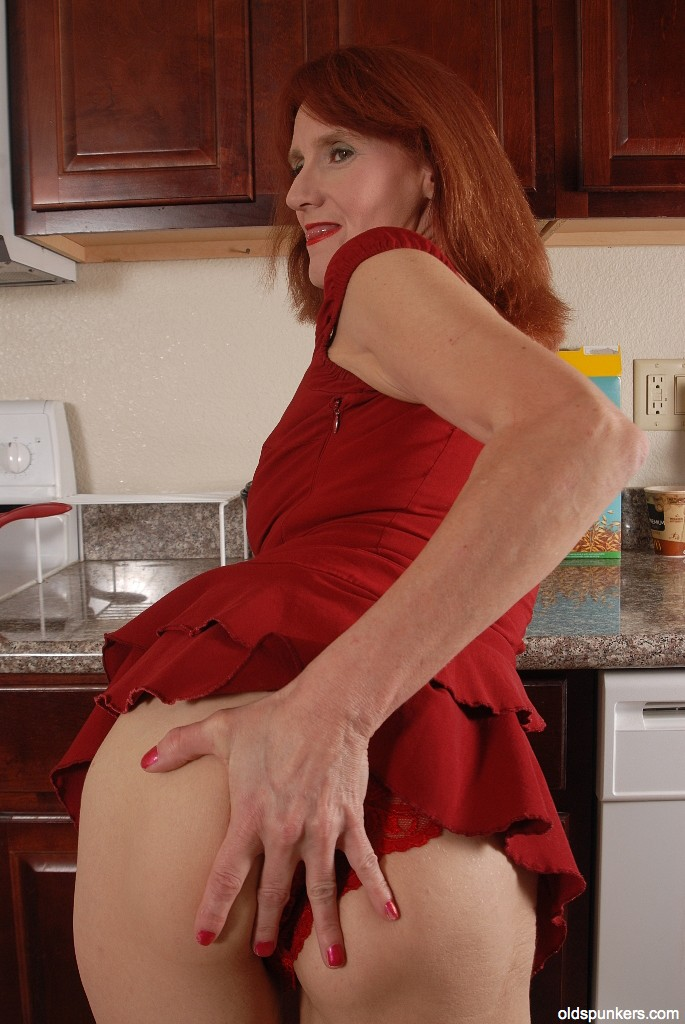 60 gilf masturbates like a ballerina - 2 part 3