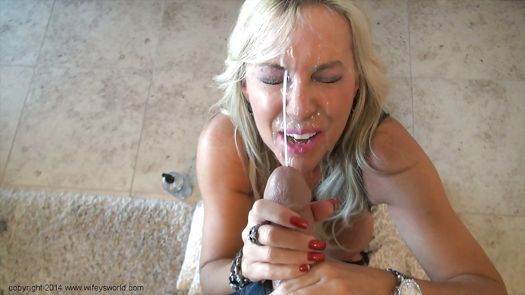 Angry mom gives her boyfriend a harsh handjob 6