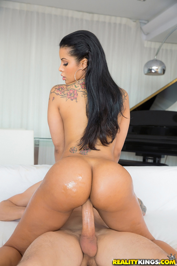 Latina huge ass anal