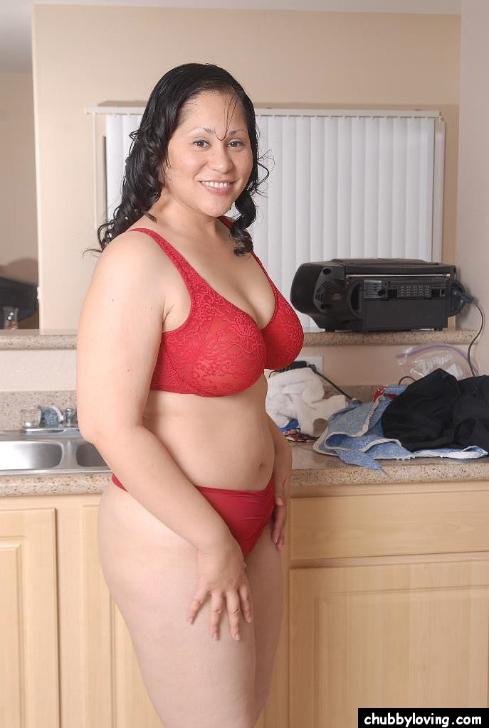 SEXY MATURE BRUNETTE BBWBEHIND THE COUNTER