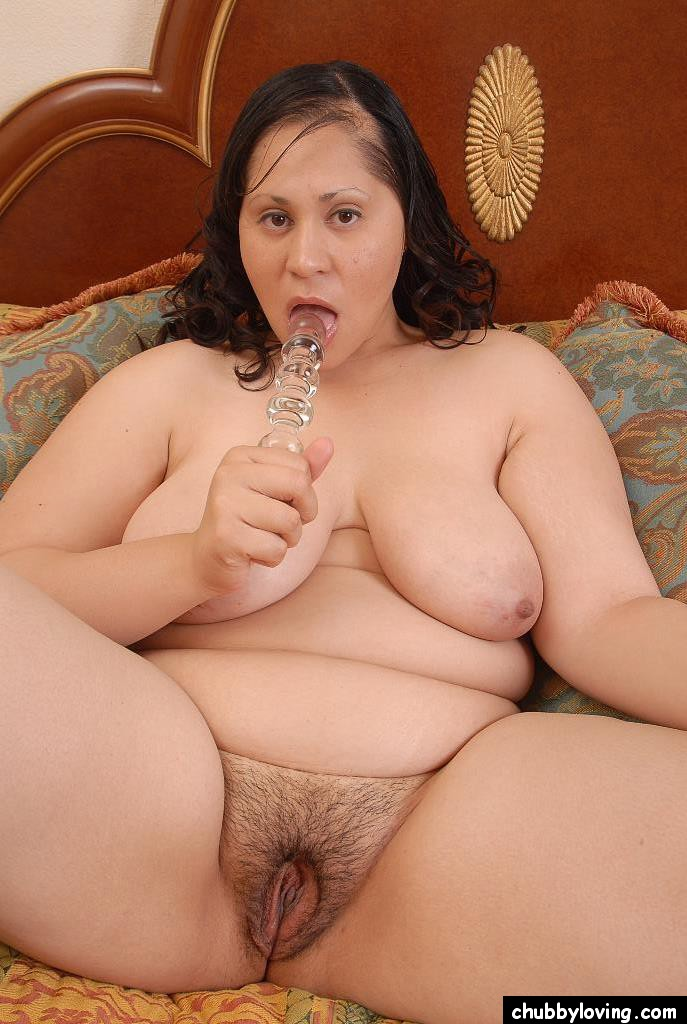 Bbw uses her dildo join