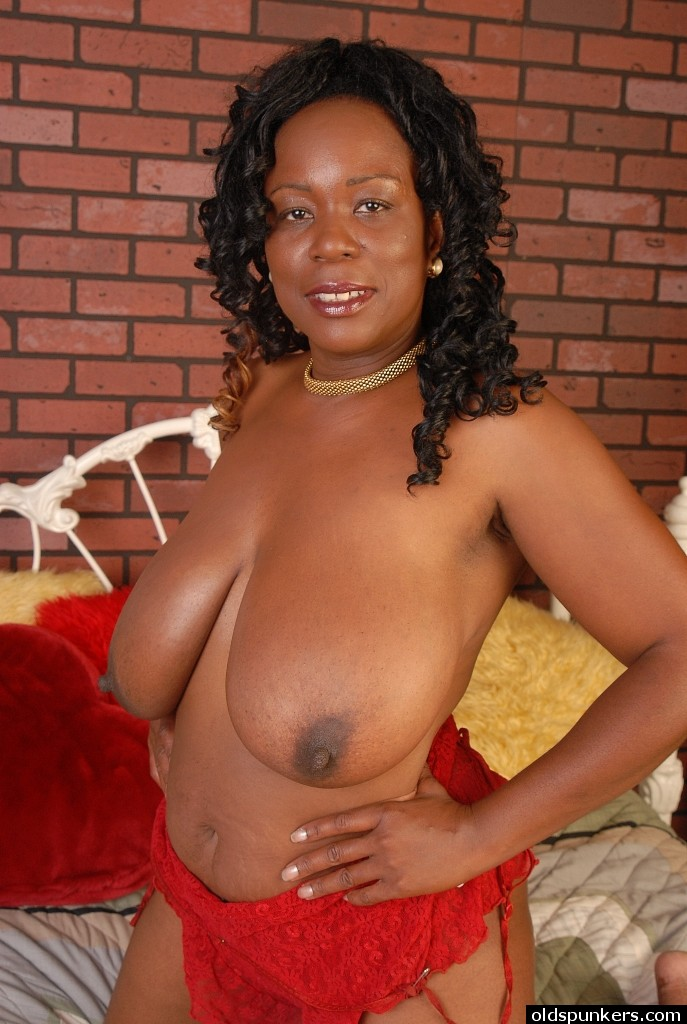 Ebony Mature PornPics