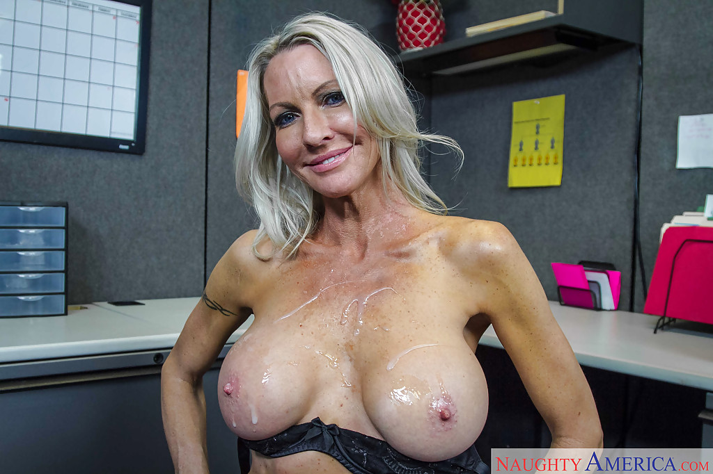 Milf emma in europe - 1 part 7