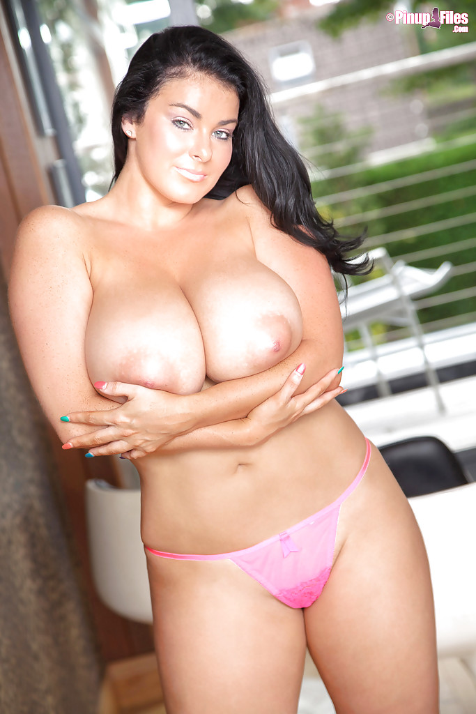 Latina Karla James shows her outstandingly big natural boobs