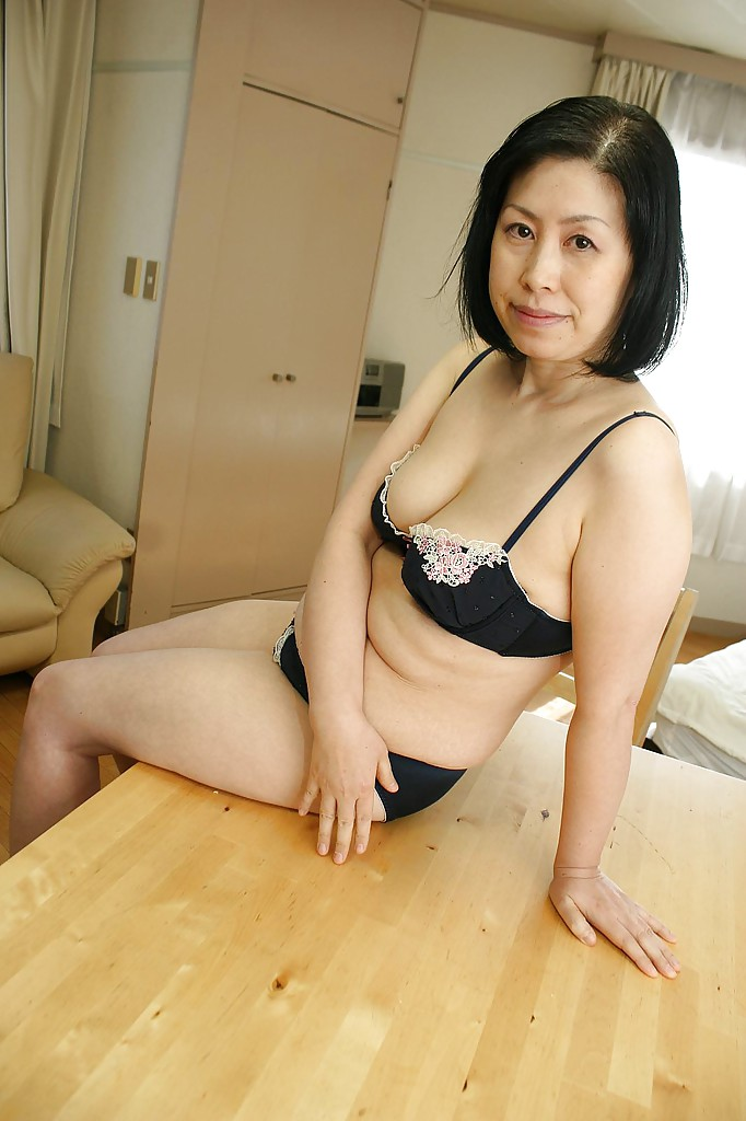 Girls big asian cam girl wide hips video