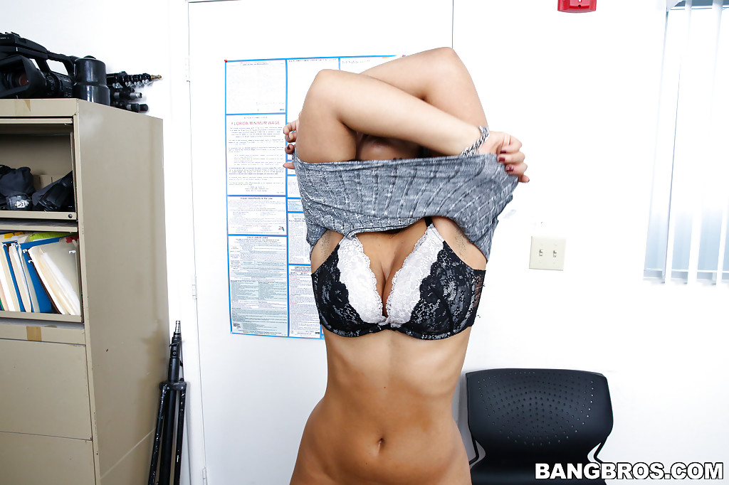 Ava sanchez webcam
