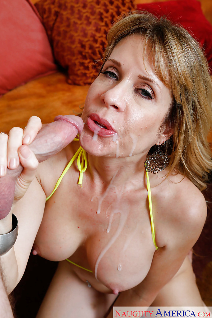 Lady steph cumshots aunty