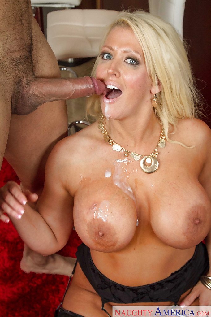 cock amateurs Busty mature sucking