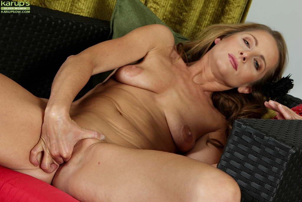 Mature female orgasm-2226