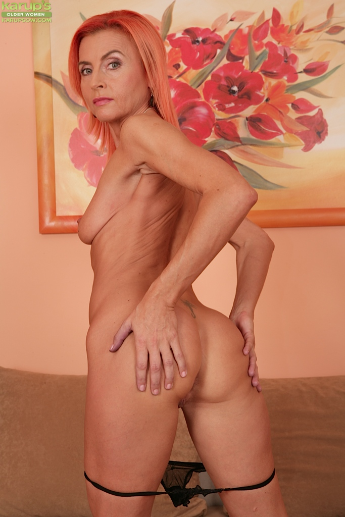 Skinny older porn casually come