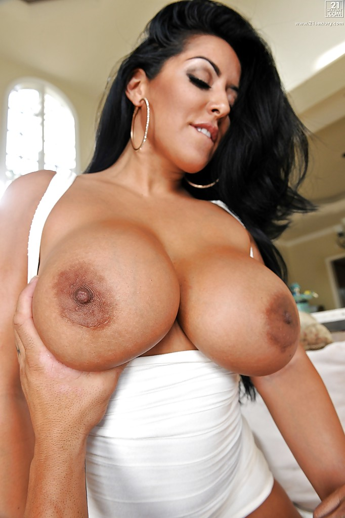Yummy latina big tit black and yellow