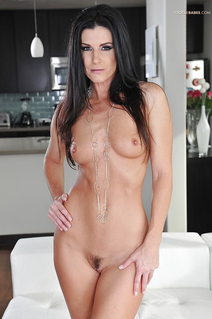 Incredible milf babe India Summer plays with her beautiful ...