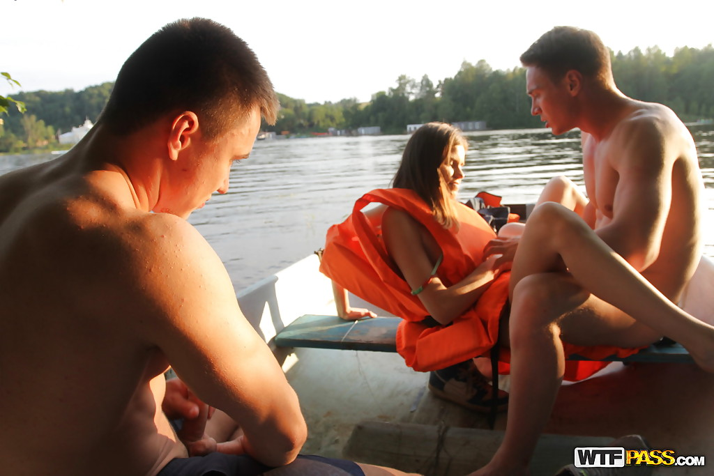 picture of hot nacked couple