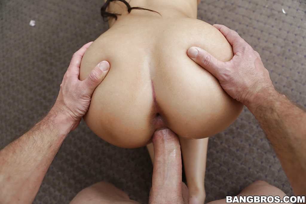 Young Latina brunette Ada Sanchez is boffed by long chink-stopper