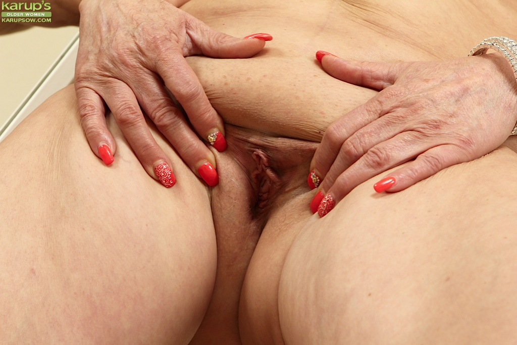 Have close up mature shave pussy pics accept