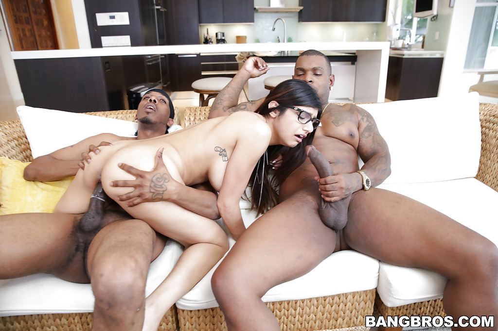 Mia khalifa two black cocks