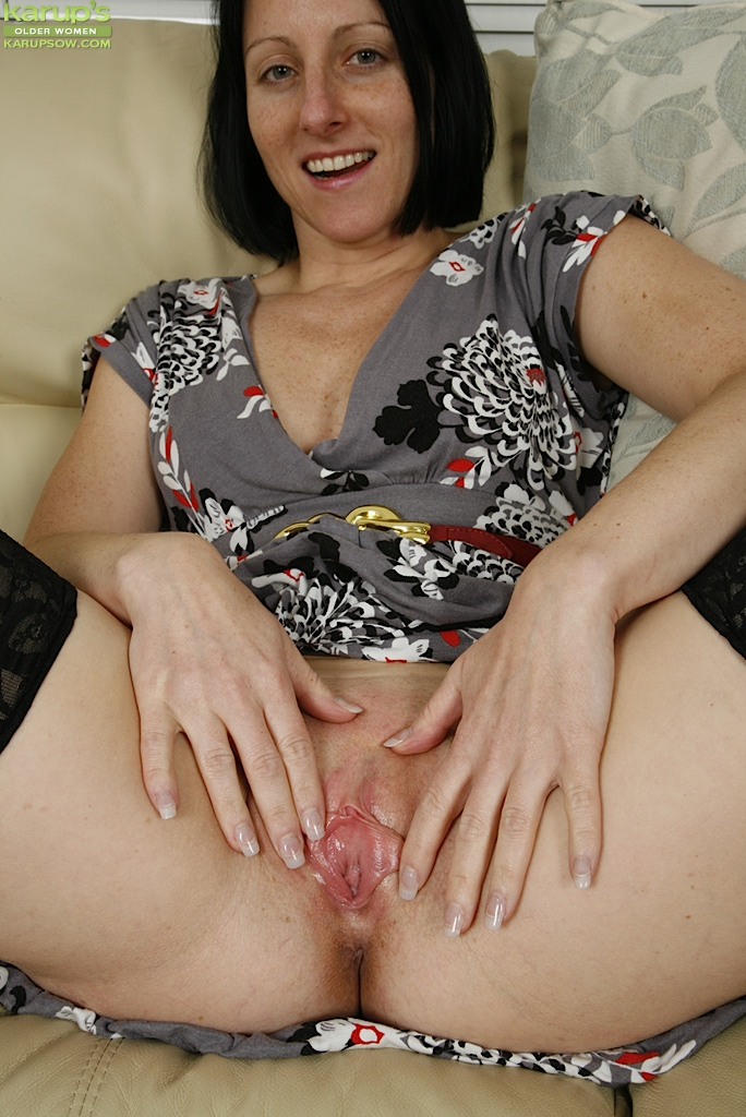 Hot older women fucking
