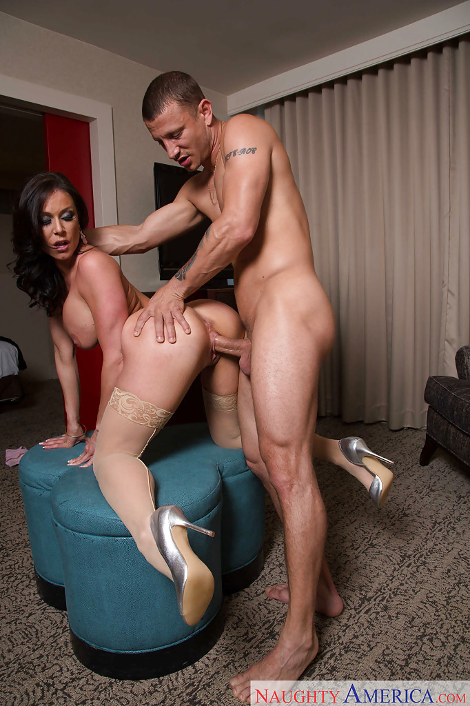swinger anal gefesselt in high heels