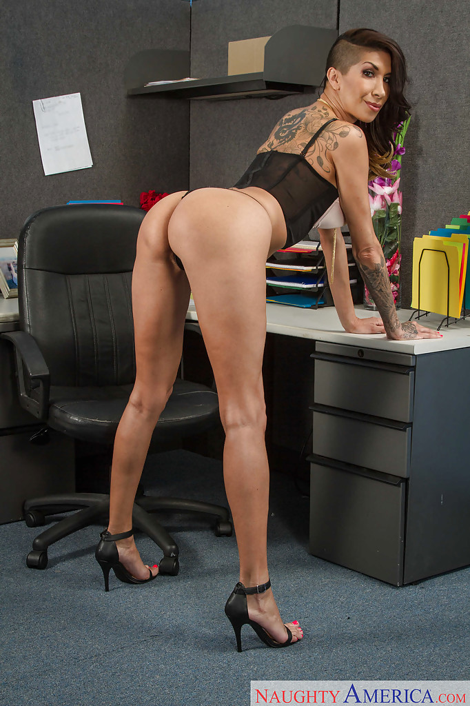 from Mateo girls bent over in heels naked