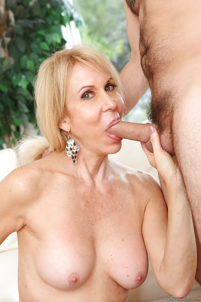 Moms and dads nude