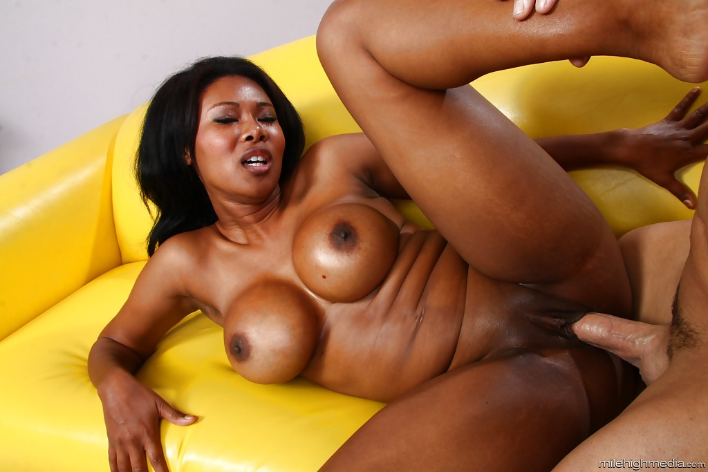 Ebony milf riding cock
