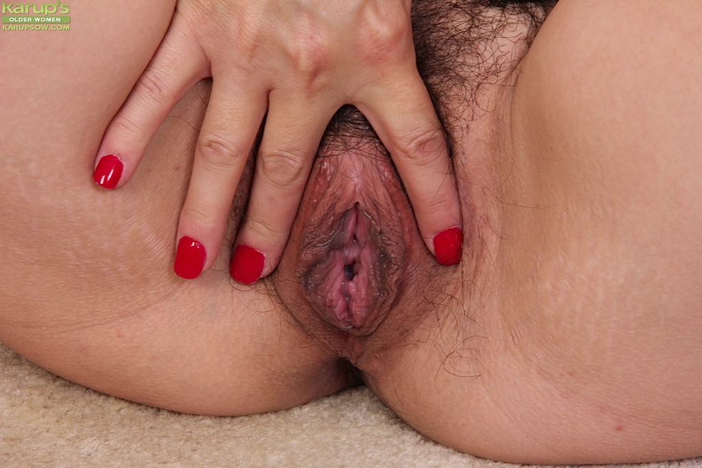 Showing off her vagina