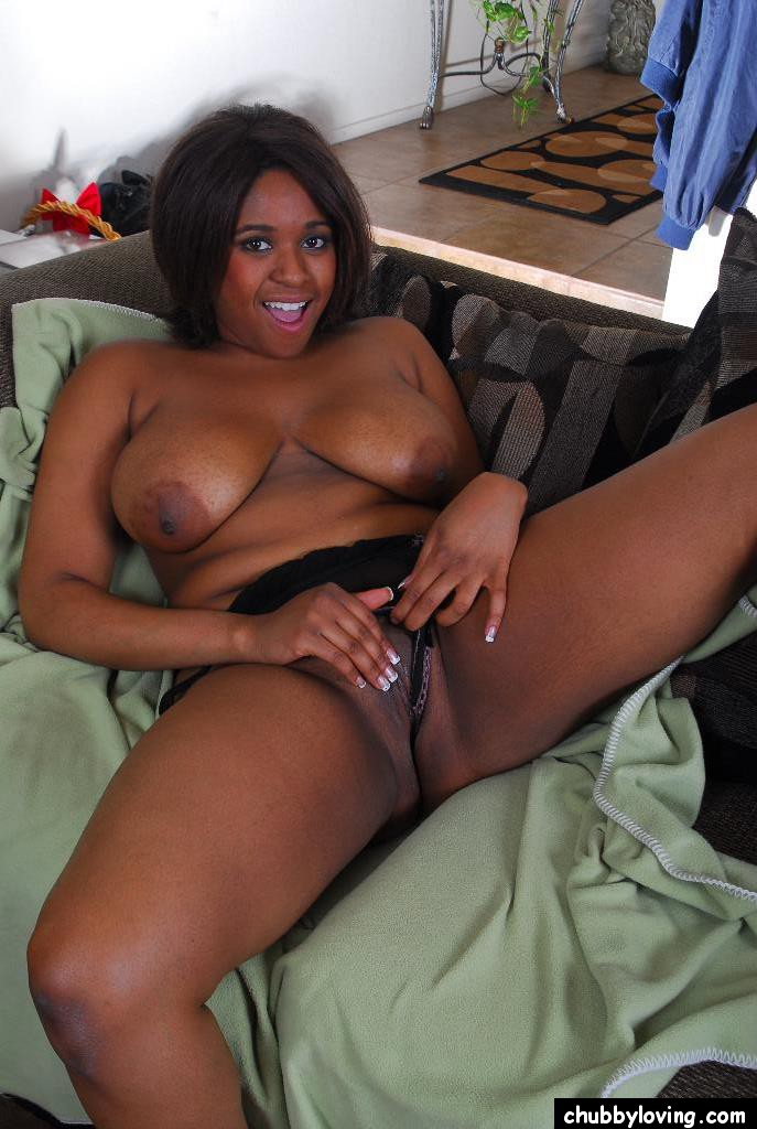 Ebony playing with her tits