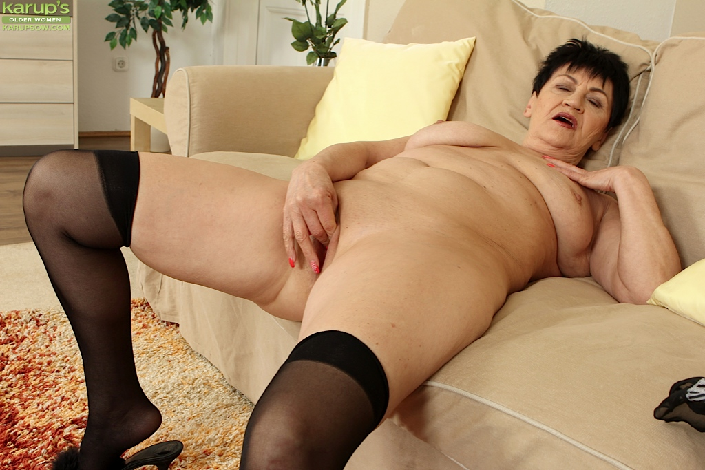 mature women masterbating