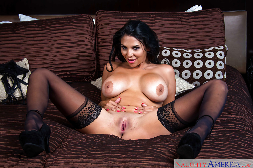 Missy gets her pussy fisted on a love swing 10