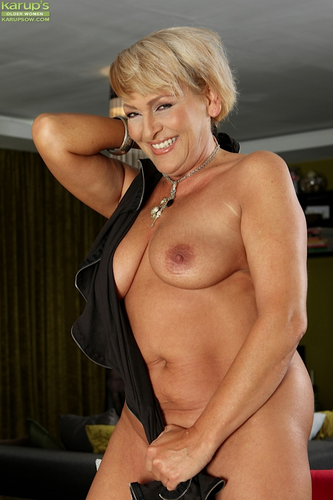 big breasts hairy pussy