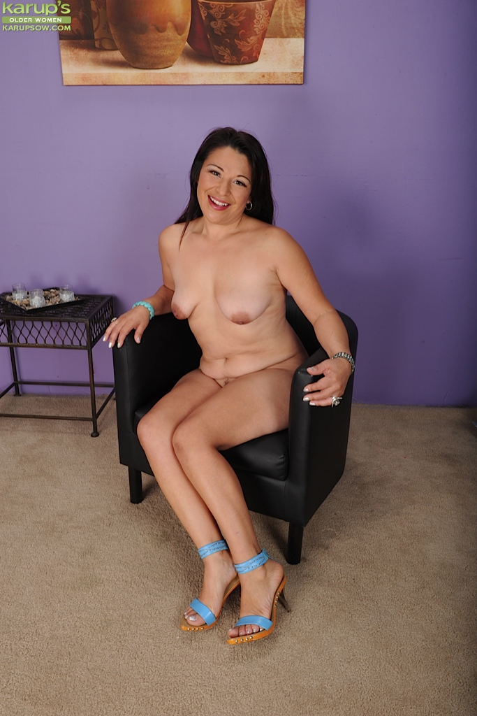 Girl fucked ladies are completely naked shania