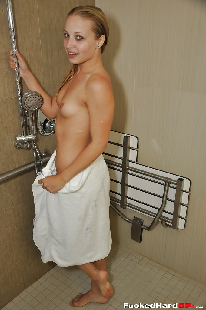 hot topless blondes in the shower