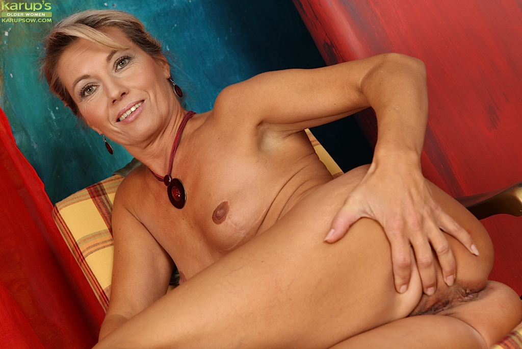 blonde mother daughter nude