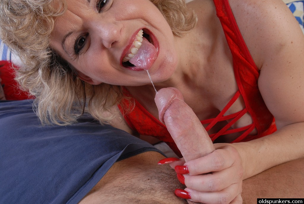 Mother cumshot sally gets dicked down 1
